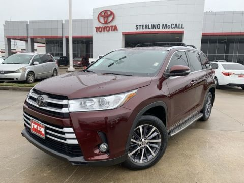 Certified Pre-Owned 2017 Toyota Highlander XLE Front Wheel Drive SUV - Offsite Location