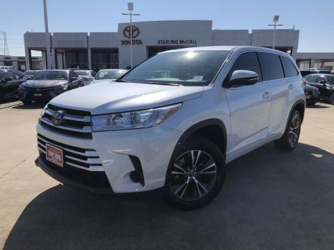 Certified Pre-Owned 2017 Toyota Highlander LE Front Wheel Drive SUV - Offsite Location